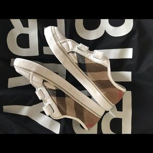 Burberry EU 32 US 1 Children Pete Check Boys Shoes